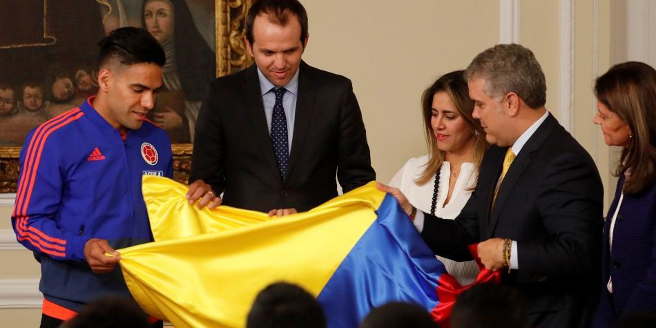 «SERÍA ABSURDO NO HACER LA COPA AMÉRICA»: IVÁN DUQUE